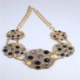 El nuevo cristal de los granos negros del diseño empiedra el collar de la joyería de la manera