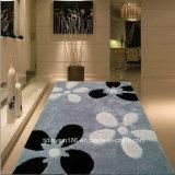 Planície de seda do tapete da flor grande colorida pavimentando o tapete