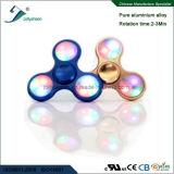 다채로운 LED 빛을%s 가진 손 방적공 장난감의 최고 최신 판매 세 배 잎 합금