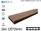pavimento di pavimentazione di Decking di WPC costruito 135*25.5mm con il prezzo competitivo