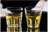 ワイン、アルコール飲料、精神、飲料、水およびビールのためのガラスコップのマグ