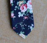 Cravatta degli uomini floreali casuali del cotone di modo nero