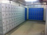 Cacifo de 4 portas para o quarto de mudança - artigo no. Le32-4