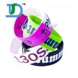 Wristbands del silicone di disegno dell'OEM con il marchio calcolato