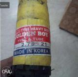 Goldener Jungen-Motorrad-Gummireifen und Gefäß hergestellt in Korea