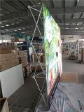 Алюминиевая квадратная пробка хлопает вверх, стена фона стойки знамени стены, хлопает вверх индикация