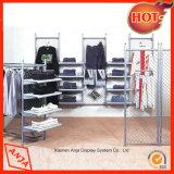 Systèmes en bois d'étagère et d'aménagement pour des vêtements