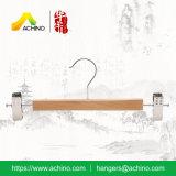 Ganci di legno della mutanda con le clip