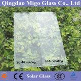 Baixo vidro Photovoltaic revestido Tempered modelado da AR do painel solar do ferro vidro desobstruído