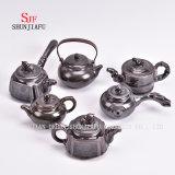 陶磁器Teapot/Cのレトロおよび一義的な美の形