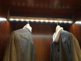 Свет шкафа датчика СИД PIR или свет шкафа для висеть штангу с батареей