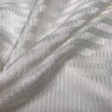 El satén del telar jacquar de la raya vertical imitó la seda para el camisón y la ropa interior lisos