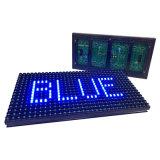 Texto ao ar livre que anuncia a única tela de indicador do módulo do diodo emissor de luz do azul