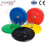 体操の適性装置のCrossfitカラーゴム製上塗を施してある重量挙げのバンパーはBarbellの版をめっきする