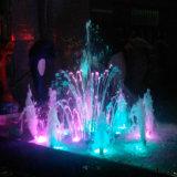 Piccolo colore di controllo di musica che cambia la fontana di acqua europea