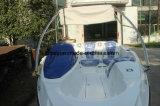 L'yacht blu di svago del sofà con Ce ha approvato