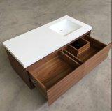 キャビネットの固体表面の現代浴室の流し