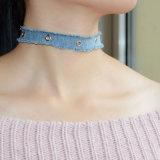 銀によってめっきされるリベットのハンドメイドの淡いブルーのデニムのジーンズのチョークバルブのネックレス
