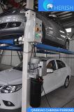 Una quattro gru di parcheggio dell'automobile/automobile dell'alberino del cilindro