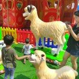 A cabra a mais nova e engraçada do tema da exploração agrícola do brinquedo do equipamento do campo de jogos ajustou-se (MC003)