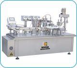 Máquina de rellenar líquida de la inyección automática con la línea de etiquetado que capsula