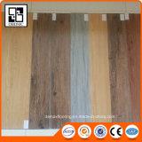 Desserrer la planche de plancher de vinyle de PVC de configuration
