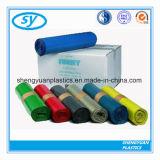 Verschiedene Farben-Plastikabfall-Beutel auf Rolle