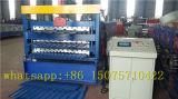 Velocidad rodillo del panel de la pared/de la azotea de tres capas que forma la máquina