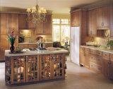 水晶カウンタートップが付いているイタリア様式の純木の食器棚