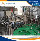 Bier-Abfüllen karbonisiert, füllende mit einer Kappe bedeckende Maschine ausspülend
