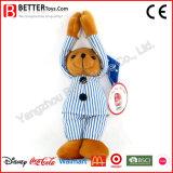 O presente do paciente hospitalizado encheu o urso do brinquedo