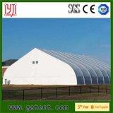 Большой изогнутый шатер случая крыши для сбывания