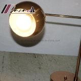 Lámpara de vector curvada simple moderna del metal para la lectura