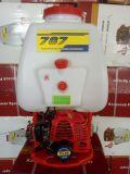 Landwirtschaftliche Maschinerie-Kupfer-Rucksack-Benzin-Sprüher 767 mit Motor 1e34f