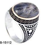 De nieuwe ModelMensen van de Manier belt de Zilveren Ring van Mens 925