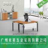 Nuevo escritorio del ordenador de oficina de encargado del diseño con la pierna del acero inoxidable
