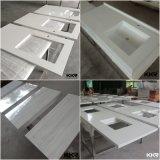 白い設計された水晶石の浴室の台所カウンタートップ