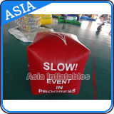Boa gonfiabile di nuotata nella figura del cubo per la pubblicità dei Triathlons dell'acqua