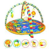 Gymnastique d'activité de bébé, couvre-tapis de jeu de musique pour l'enfant en bas âge, torsion et jouet de pli avec les animaux s'arrêtants amovibles