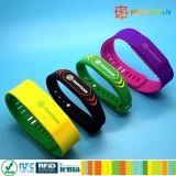 Bracelet de Nfc de silicones de Rewearable Ntag213 pour la piscine