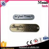 Logotipo personalizado de alta qualidade Etiqueta de vestuário de metal para vestuário