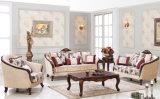 Sofà antico impostato con la Tabella della presidenza della sede di amore per la casa