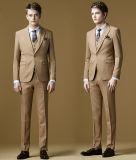 あつらえの純粋なカラー適当な実業家のスーツ