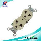 U28 15A 125V / 10A 250V Receptáculos Multi Duplex / American Socket