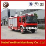 Camion de lutte de l'eau d'Isuzu 4X2 et contre l'incendie de camion-citerne de mousse