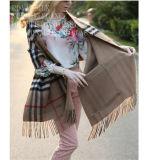 Bufanda reversible de la mezcla de las lanas del Tartán-Estilo del estilo occidental con los bolsillos
