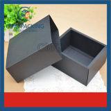 Cartão preto caixa de papel dobrada com esponja
