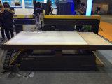 Ranurador del CNC del Atc de la carpintería de la tabla del vacío