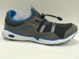 Новая конструкция шнурует вверх вскользь ботинки спортов, идущие ботинки для людей