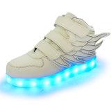 De hoog-Bovenkant USB die van de Klitband van vleugels LEIDEN Licht laden die omhoog Tennisschoenen opvlammen